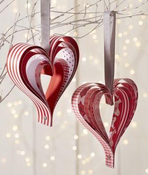 Les 25 meilleures id es concernant d corations en papier sur pinterest orne - Faire un coeur en papier ...