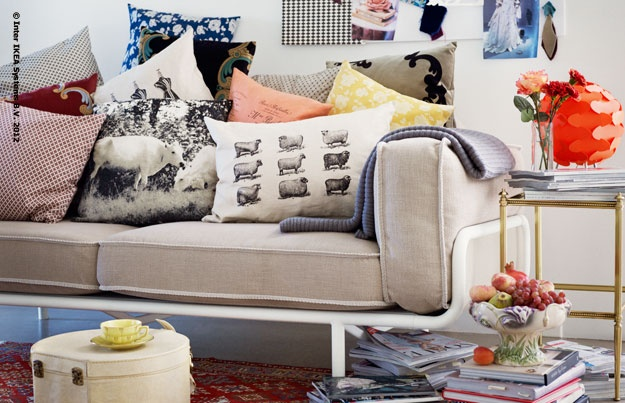 Design with heart and soul - The era is also captured and interpreted on the cushions.