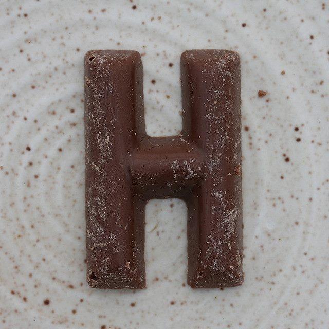 La H es la pesadilla de la ortografía. Pero sin ella, el chocolate sabría a coco.