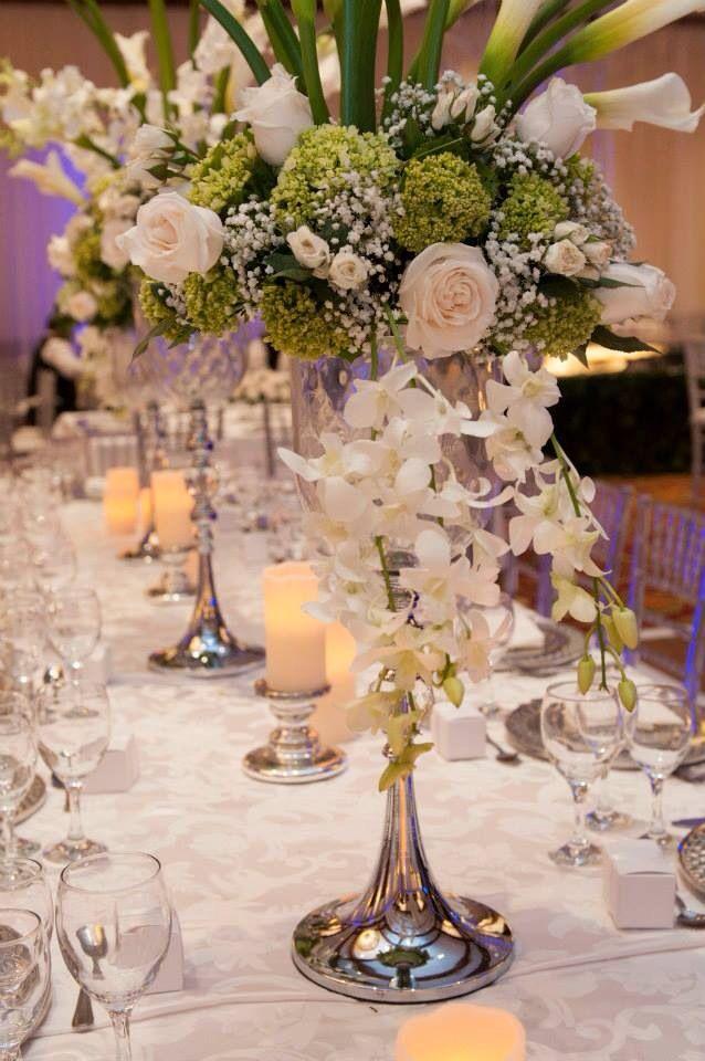 Elegantes bases y iluminación en velas led para un motivo romántico y elegante!