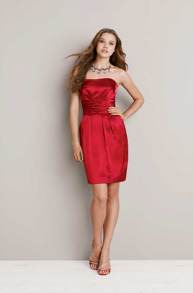 comes in red for MOH and black for bridesmaids