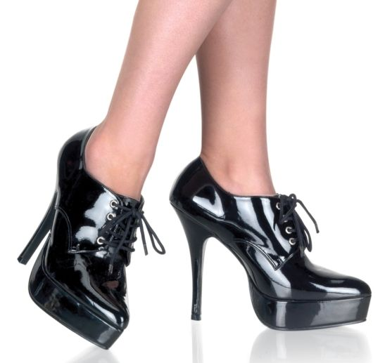 #Pleaser Shoes Indulge-560 Black Patent #Chic Oxford shoes in black patent with pointed toe, tone-to-tone front lace-up and dazzling high 5 inch (12.5 cm) stiletto heels. The front platform balance the front-heel difference for a comfortable wear and add a chic touch to the ensemble. Versatile and easy to wear, these shoes make a statement whenever worn.