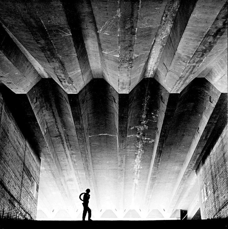 Max Dupain: Sydney Opera House under construction, 1962.