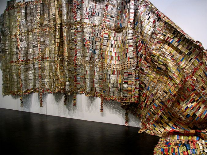 recycled metal bottlecap art - El  Anatsui