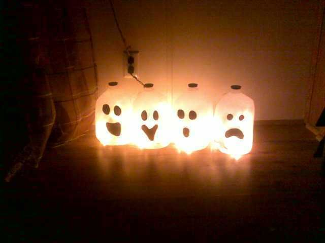 Milk Carton Halloween Crafts Part - 21: Halloween Milk Jug Ghosts