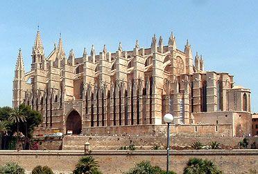 Exterior de la catedral de Palma de Mallorca. Gótico de la Corona de Aragón.