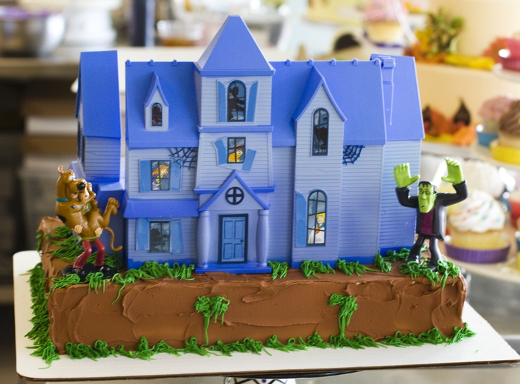 this scooby doo haunted house cake is perfect for halloween it was created by our - Scooby Doo Halloween Decorations