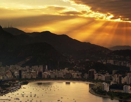 "The ""cidade maravilhosa"" (wonderful city) I love to visit over and over again.: Buckets Lists, Sun Ray, Rio De Janeiro, Sunsets, Street Art, Gods Grace, Sunray, Place, Riodejaneiro"