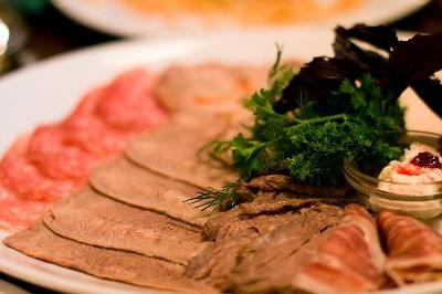 How Much Protein Should A Diabetic Eat Daily On A 1,600-calorie Diet?   LIVESTRONG.COM