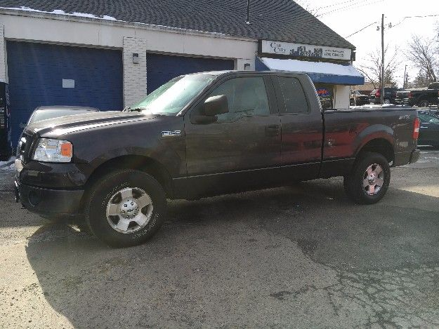 Check out this 2006 Ford F150 STX Only 115k miles. Guaranteed Credit Approval or the vehicle is free!!! Call us: (203) 730-9296 for an EZ Approval.$11,495.00.