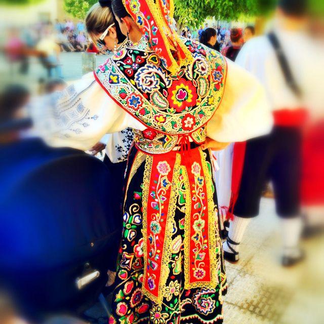 Traje regional ZamoranoIndumentaria Tradicional, Regions Zamoranos, Folkore Fashion, De Época, Folk Costumes, Es Castilla, Trajes Regions