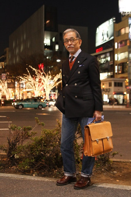 Japanese street style. Adore the briefcase and the entire outfit, how dapper.