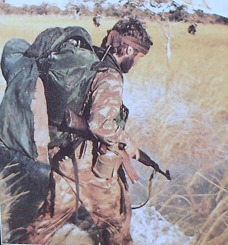 titovka-and-bergmutzen: South African Defense Force member with a captured AK-74 in the bush.