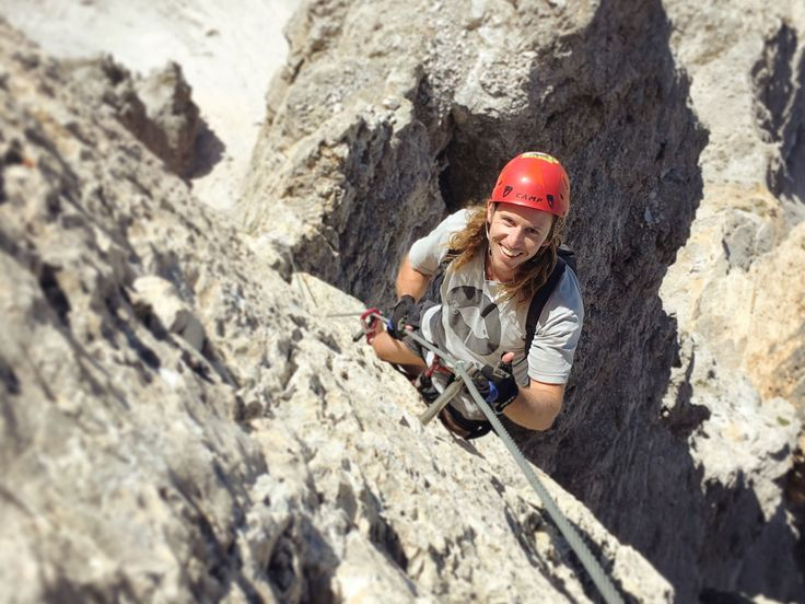 Un programma settimanale per esplorare i 3000m delle Dolomiti in compagnia delle Guide Alpine Cortina. Siete pronti per partire?