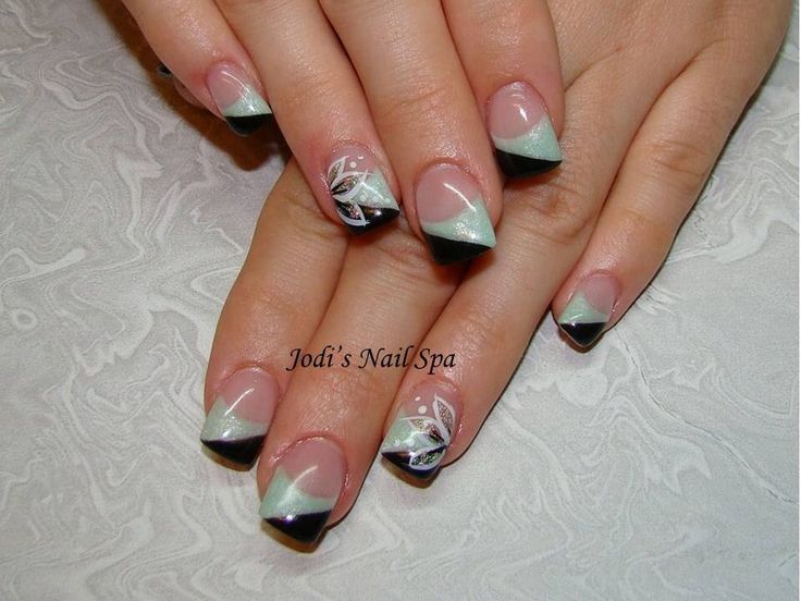 Gel with chevron French and free hand flowers