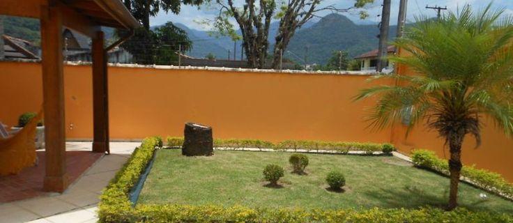 Quer passar a Semana Santa em Martim de Sá, Caraguatatuba/SP? Veja essa linda casa com piscina e alugue sem perda de tempo de 02/04 à 05/04!  Reserve Agora: http://www.casaferias.com.br/imovel/110008/caraguatatuba-martim-de-sa-bela-casa-com-piscina  #feriado #semanasanta