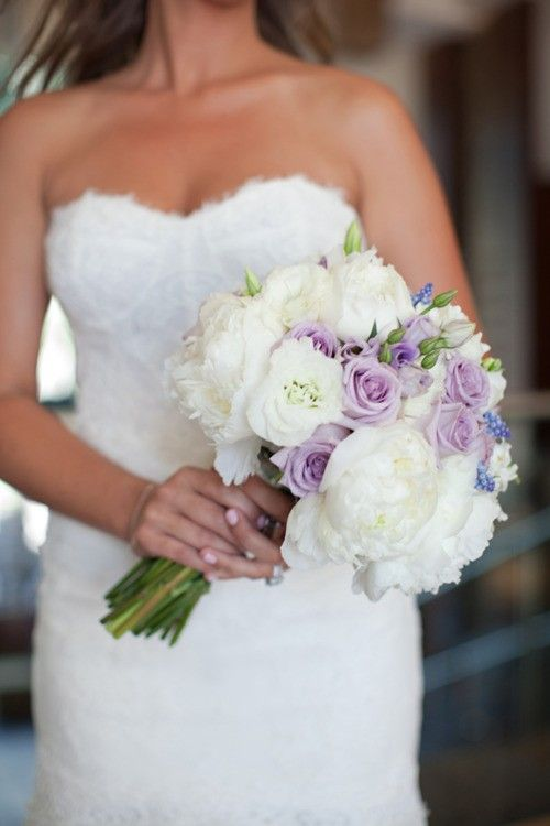 Lush white peonies, muscari (aka grape hyacinth) and Ocean Song lavender roses. #bouquet