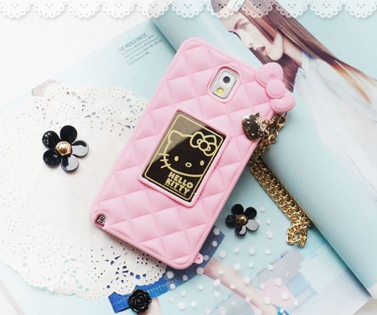 Make a super kawaii phone call! This silicone Hello Kitty Mirror Bag Mobile Case for Galaxy Note 4 has a mirror integrated into its design and features a gold pendant & chain and a quilted pattern on the rear part. Brilliant!