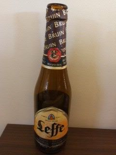 ベルギー ビール レフ ブラウン ベルギー修道院ビール独特の味わいと苦味、 ビールずぎなひとは、一度のむど、癖になりそう、 このレフ ブラウンは、さらにゆっくり読書しなが味わうに最適!