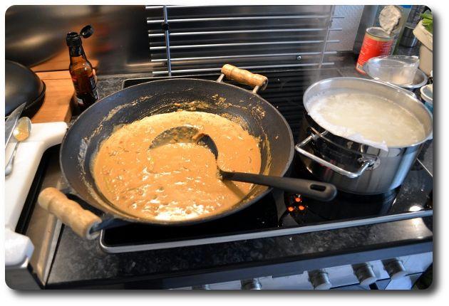 Erdnusssoße selber machen