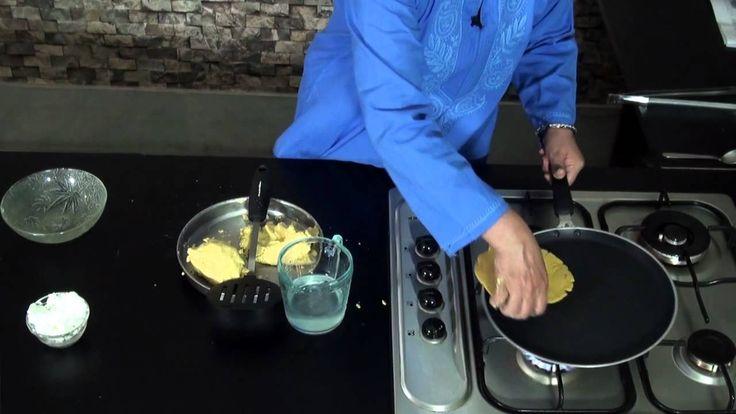 Makki Ki Roti  Recipe - (Punjabi Corn Flour Bread)