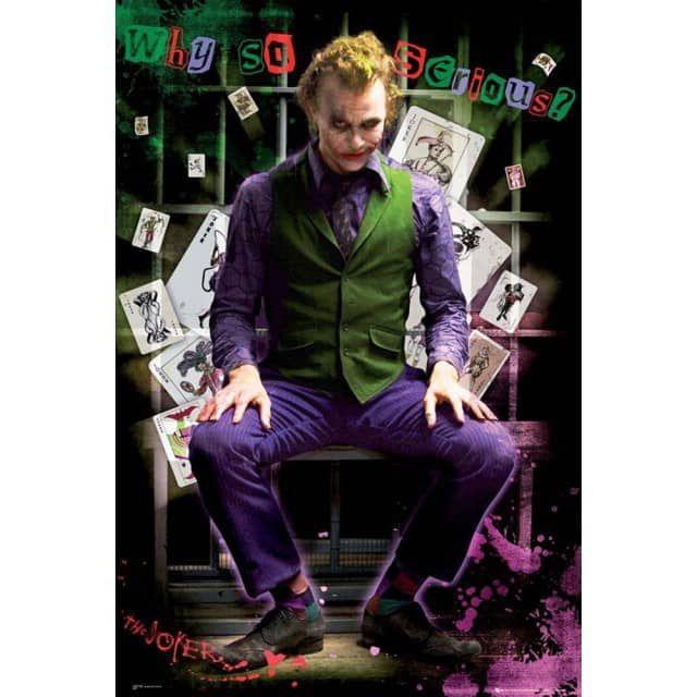 Heath Ledger in der Rolle seines (viel zu kurzen) Lebens... Ob der Joker im Gefängnis gute Karten hat oder nicht, seht ihr in Christopher Nolans Blockbuster, dem zweiten Teil seiner Batman Trilogie.       Maße: 91,5x61