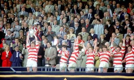 Wigan Graeme West captain lifts the Challenge Cup trophy in May 1985