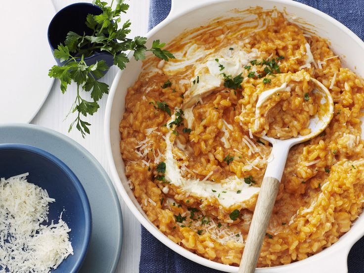 Risotto mit Tomate und Parmesan - smarter - Zeit: 30 Min. | eatsmarter.de Risotto ist so wunderbar vielseitig.