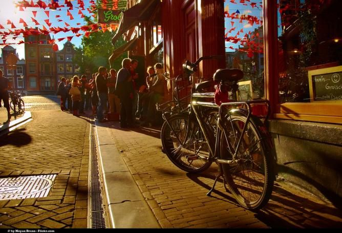 AMSTERDAM // Top 10 Amsterdam City Tours: Bikes, Boats and Beer   // http://theculturetrip.com/europe/the-netherlands/articles/-top-10-amsterdam-city-tours-bikes-boats-and-beer-/