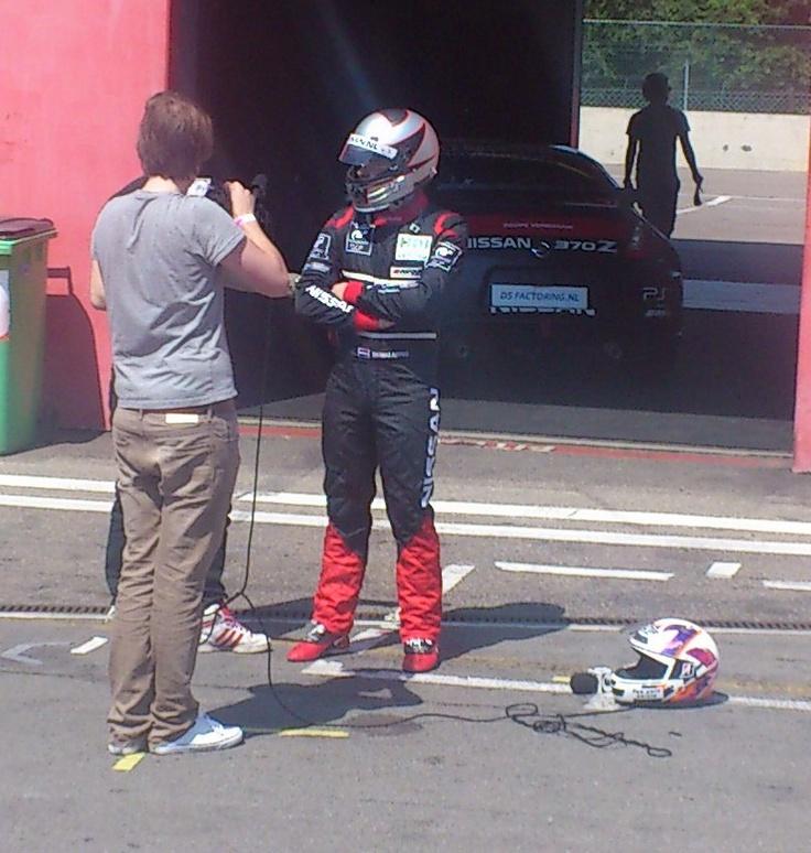 De winnaar van de Nederlandse GT Academy 2011 Thomas Arends staat www.Flabber.nl te woord