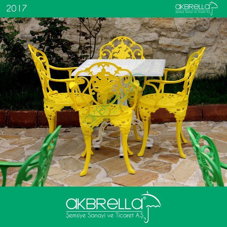 #bahçemobilyası @bahçemobilyaları Gül desenli sarı alüminyum döküm sandalyeler ve alüminyum döküm kare beyaz masa takımı bahçe mobilyası