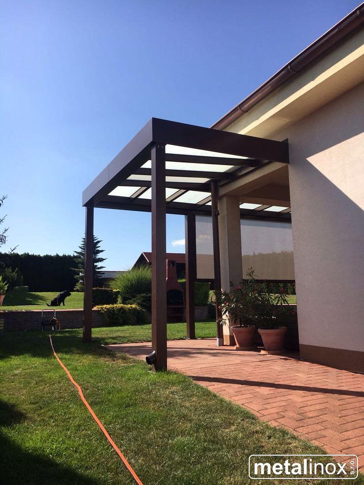 Hliníkový prístrešok s krytinou sklo a zvislo clonou. Alumi shelter house with glass and sunscreen. Shelter/pergola/caport