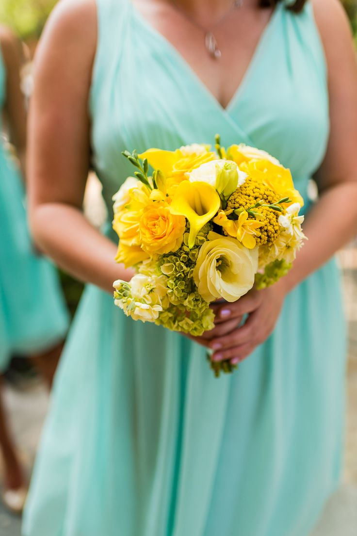 130 best yellow bridesmaids bouquets images on pinterest bridal yellow bridesmaid bouquet izmirmasajfo