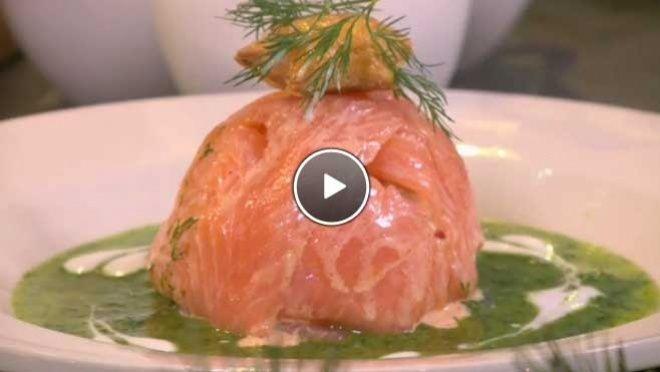Zalmbonbon met groene kruidendressing - De Makkelijke Maaltijd | 24Kitchen