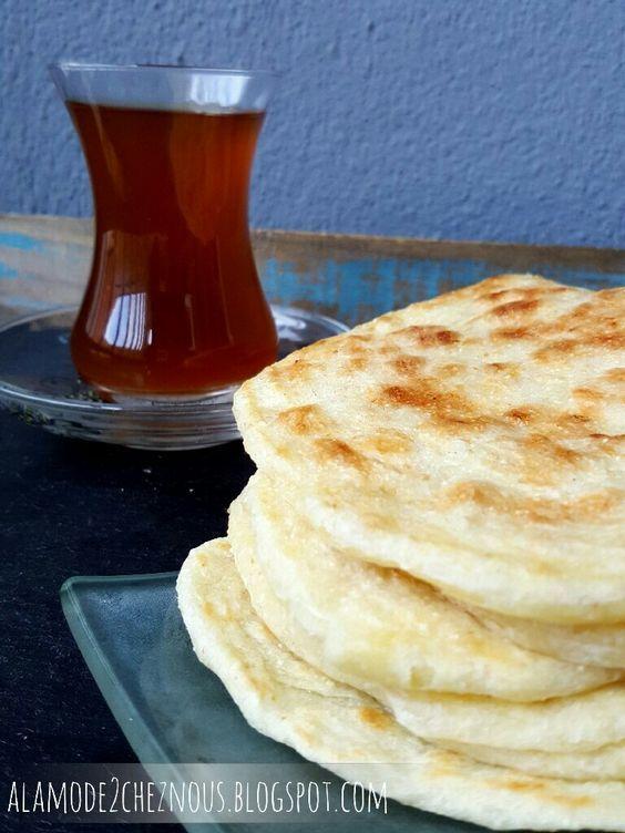 Помню обещала вам регулярно выкладывать восточные рецепты, а обещания нужно выполнять.   Вкуснейшие марокканские лепешки из слоеног...