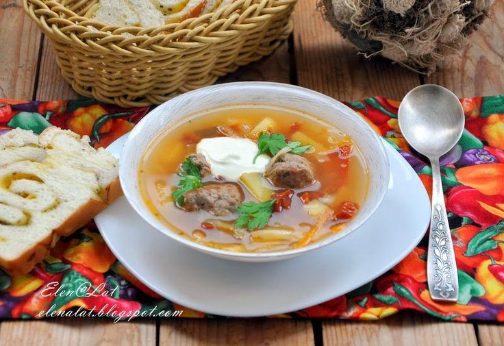 Sweet and not Sweet: Итальянский суп с фрикадельками и вялеными помидор...