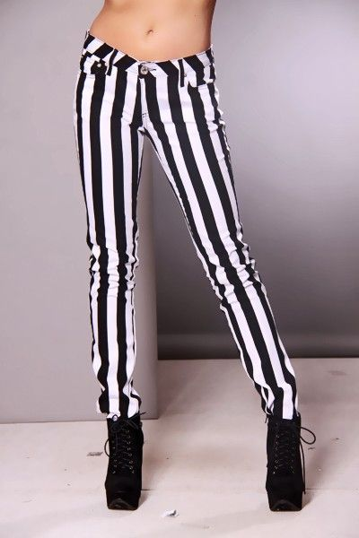 how to wear black and white striped pants