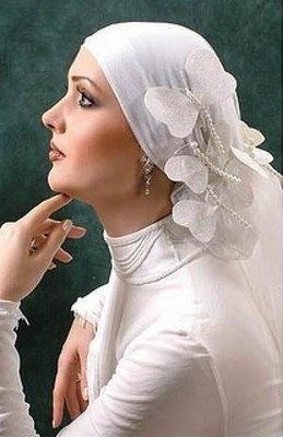THE BRIDE WEARS HIJAB: how to accessorize your hijab