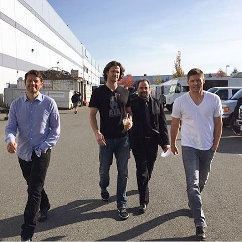 Jensen, Jared, Misha, and Mark on Supernatural set. @bodyguard13 Thank you Clif for sharing this fabulous picture with us. #SPN