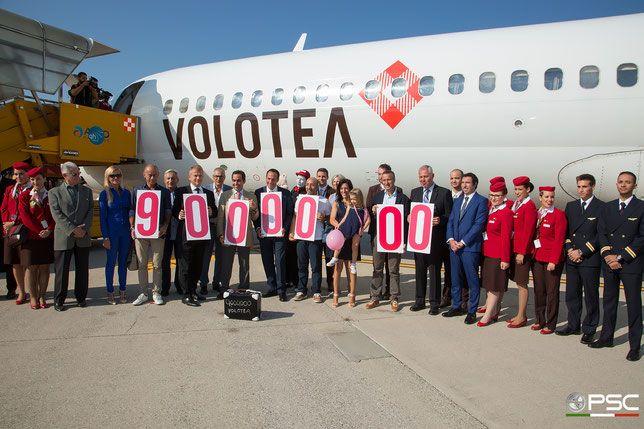 Report: conferenza stampa Volotea 8.9.2016 - PSC - Piti Spotter Club Verona - 9,000,000th passenger