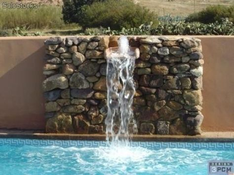 Cascadas artificiales para piscinas imagui pileta for Construccion de cascadas artificiales