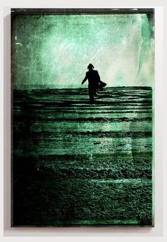"""""""Lost in confusion""""  par l'artiste sophie etchart. Œuvre sur toile, aluminium, Xpozer ou photographie (encadrée), impression d'art en haute qualité et tout format > http://www.ohmyprints.com/fr/image/Lost-in-confusion/227570/93"""