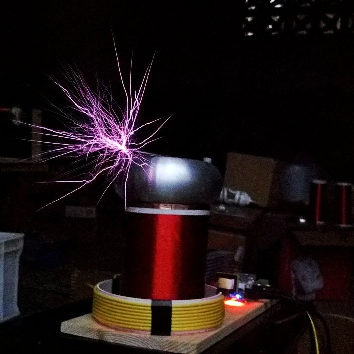 TINY SSTC MIDI Music Tesla Coil Solid-state Tesla coil Project Music arc extinguishing