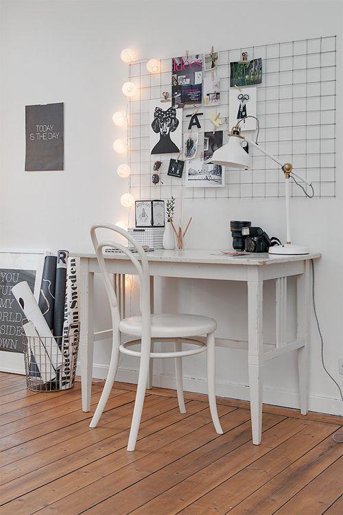 flexible minded; wall idea;Kontor med häftig anslagstavla