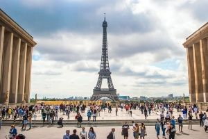 Enjoy Paris with a low budget | Swapyourtravel