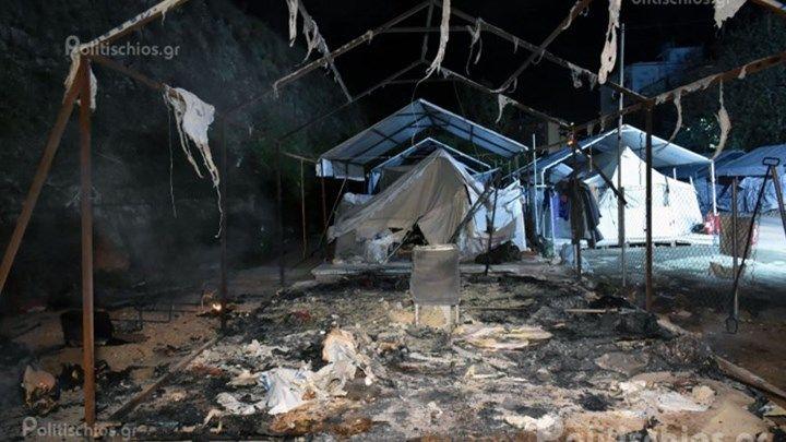 Φωτιά σε σκηνή στον καταυλισμό της Σούδας - ΒΙΝΤΕΟ