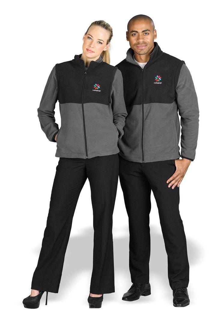 Benneton Zip-Off Fleece Jacket sleeves zipped up.