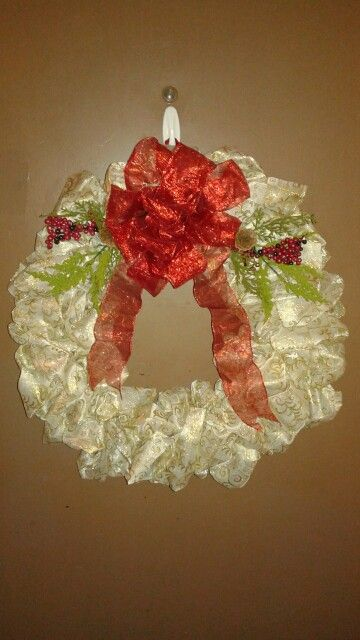 Beautiful Christmas wreath! I had so much fun making this wreath!!