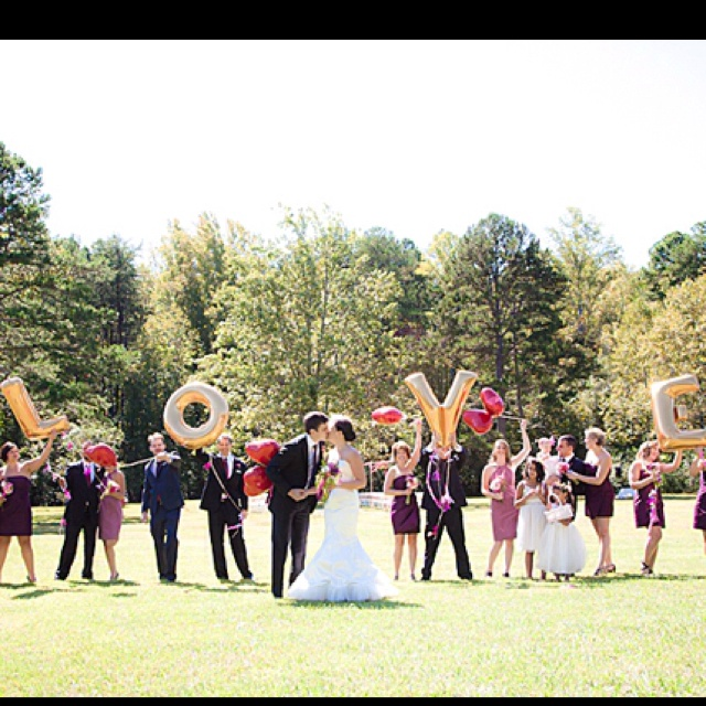 Great wedding party shot!