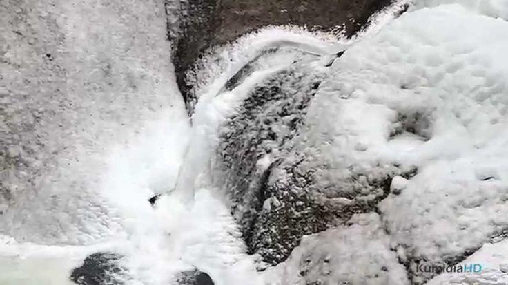 Frozen Waterfalls of Fukuroda (凍結袋田の滝)日本三大瀑布